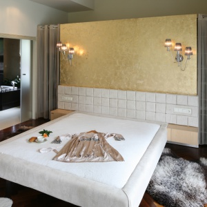 Łazienka przy sypialni: jak oddzielić jedną od drugiej?