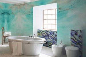 Nowa kolekcja fototapet - kolory i faktury natury w łazience