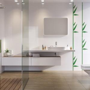 Jasna łazienka z motywami natury: modne kolekcje płytek