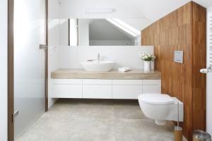Matowe fronty: tak wyglądają w polskich łazienkach