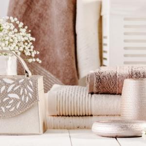 Łazienkowe trendy: zaproś wiosnę do wnętrza