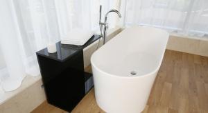Podłoga w łazience: 5 różnych sposobów z polskich domów