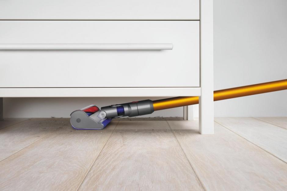 Domowe porządki: praktyczny, bezprzewodowy odkurzacz