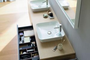 Nowoczesna łazienka: wybierz innowacyjne meble