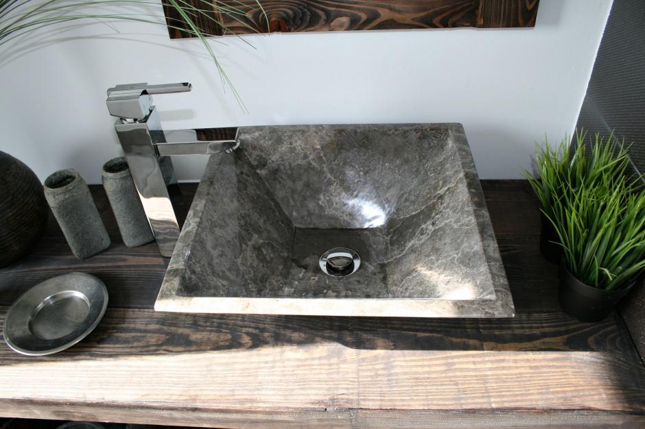 Modna umywalka: piękne modele z kamienia naturalnego