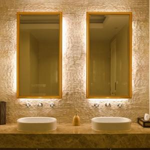 Oświetlenie w łazience: praktyczne i estetyczne