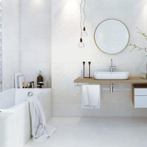 Relaks w łazience: odprężające aranżacje z różnymi kolekcjami płytek