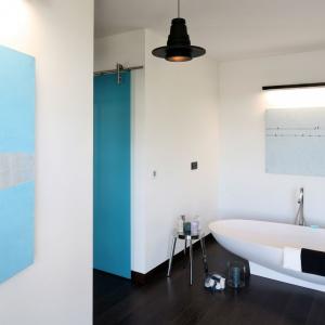 Łazienka z sypialnią: 10 zdjęć z polskich domów