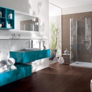 Kolor w łazience: postaw na niebieskie meble