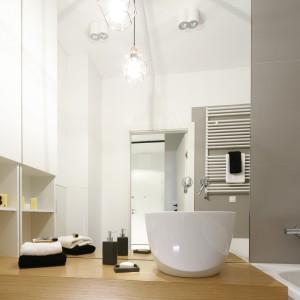 Lustro w łazience: wybierz duży format