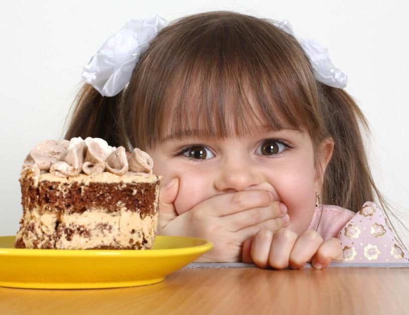 """Poświąteczne porządki: jak usunąć """"słodkie"""" plamy?"""