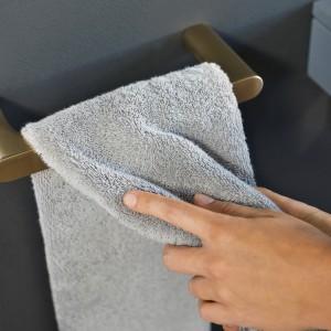 Armatura i akcesoria łazienkowe: serie w najmodniejszych kolorach