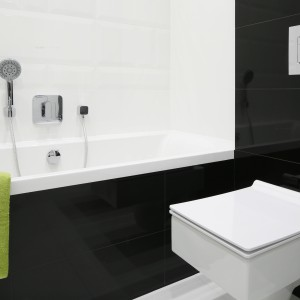 Czarno-biała łazienka: galeria 12 zdjęć z polskich domów