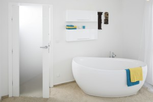 Łazienka przy sypialni: praktyczne porady
