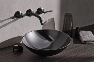 Nablatowa umywalka: 5 modeli w kolorze innym niż biel