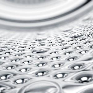 Pachnące i zdrowe pranie: wybierz pralkę, która usunie alergeny