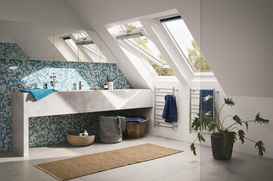 Łazienka na poddaszu: okno dachowe do mokrych pomieszczeń