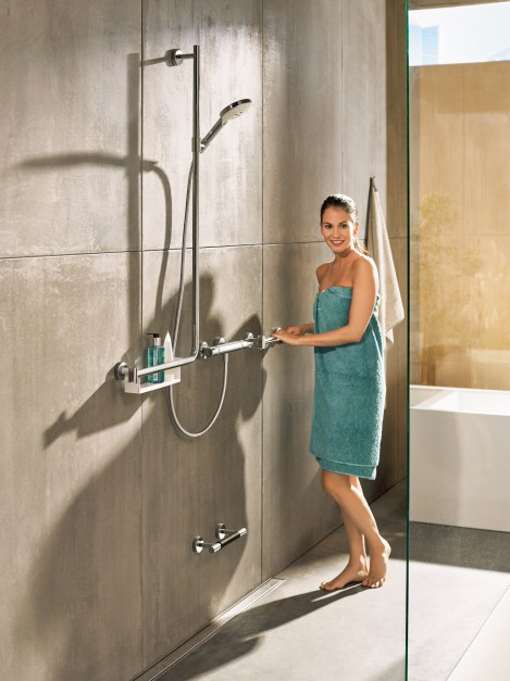Nowoczesna strefa prysznica: bezpieczna i wygodna (z nowym drążkiem prysznicowym)