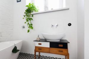 Łazienka w stylu retro: gotowy projekt w starej kamienicy