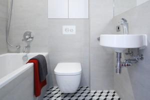 Szara łazienka: 10 wnętrz z domów Polaków