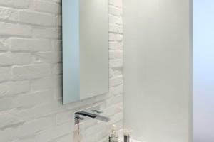Cegła w łazience: 10 zdjęć z polskich łazienek