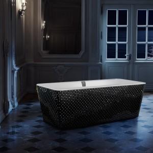 Błysk w łazience: wanna i umywalka z kryształami Swarovskiego