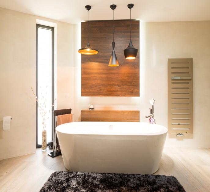 Nowoczesna łazienka: postaw na naturalne materiały