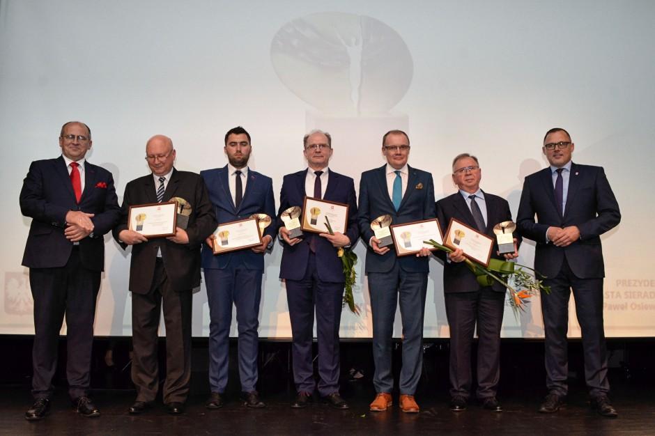 Ceramika Paradyż z Nagrodą Gospodarczą Wojewody Łódzkiego
