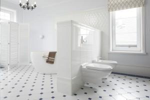 Klasyczna łazienka: tak urządzają ją Polacy