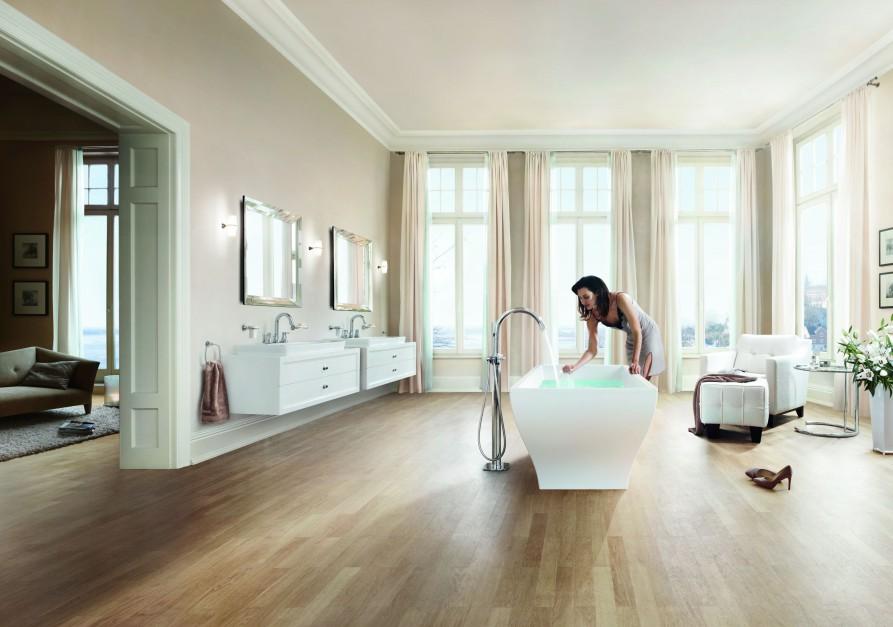 Ponadczasowa łazienka: elegancka linia baterii