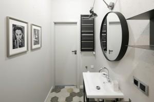 Modna łazienka: wybierz okrągłe lustro