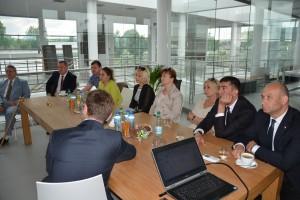 Goście z Mołdawii odwiedzili salon i zakład Ceramiki Paradyż