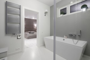 Szara łazienka: gotowy projekt w stylu glamour