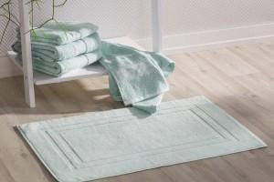 Aranżacja łazienki: niezbędne akcesoria i dekoracje