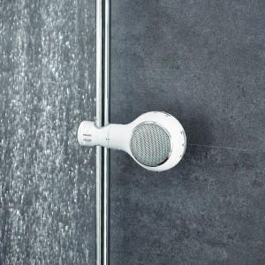 Wakacyjny relaks w łazience: kąpiel w rytmie muzyki