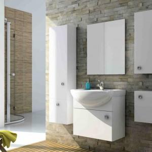 Białe meble łazienkowe: 5 kolekcji z polskich sklepów