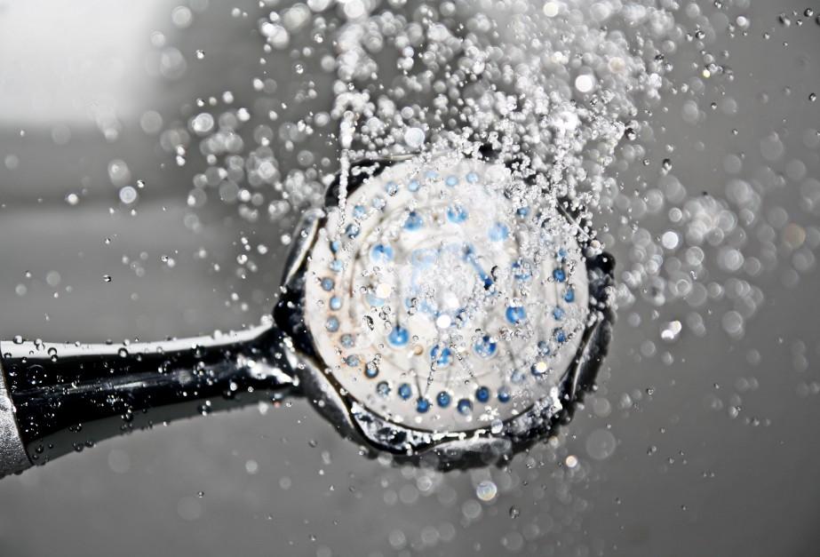 Jak wybierać słuchawkę prysznicową? Ekspert radzi