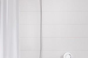 Nowoczesna strefa prysznica: elegancka armatura w minimalistycznym stylu