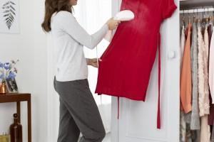 Gładkie i świeże ubrania (dzięki ręcznej parownicy)