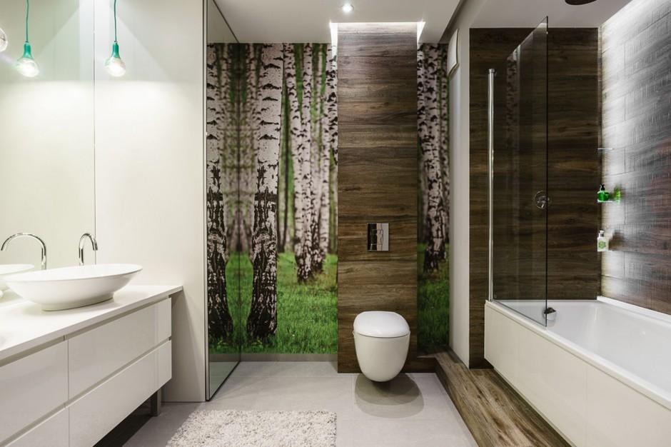 Ściana w łazience: postaw na leśny motyw
