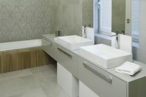 10 pomysłów na strefę umywalki dla dwojga