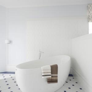 Łazienka z wanną wolno stojącą: piękne zdjęcia z polskich domów