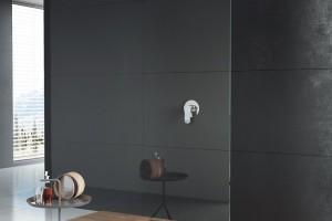 Praktyczna strefa prysznica: postaw na kabinę typu walk-in
