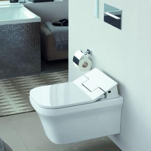 Nowoczesna łazienka: montaż podwieszanej toalety
