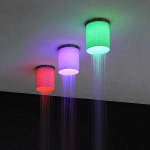 Światło w łazience: nastrojowa armatura prysznicowa