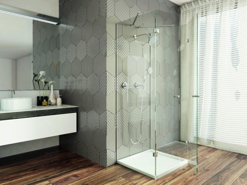 5 różnych pomysłów na szkło w łazience