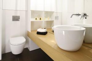15 pomysłów na ścianę w strefie umywalki