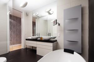 Grzejnik łazienkowy: 12 pomysłów z polskich domów