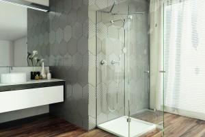 Ściana w łazience: co zamiast ceramicznych płytek?