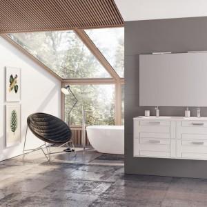 Meble łazienkowe z polskich sklepów: 10 przykładów w bieli